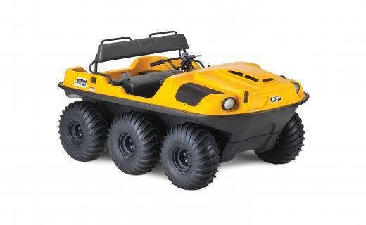 six-wheeled off road vehicle